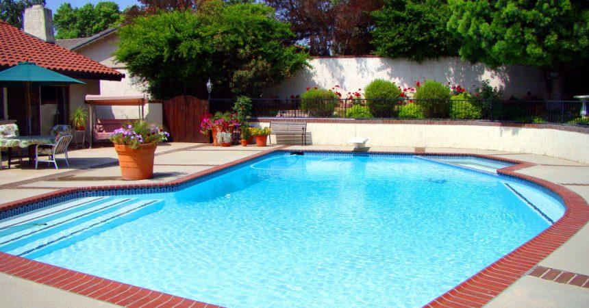 Installer une piscine dans son jardin comment proc der for Piscine dans jardin